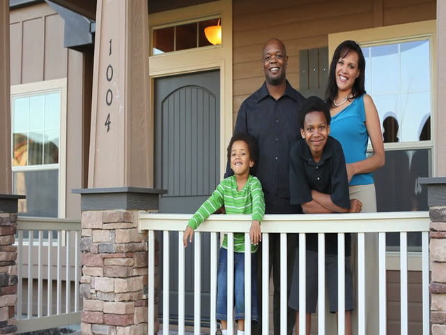 African_American_family_homeowners640x480